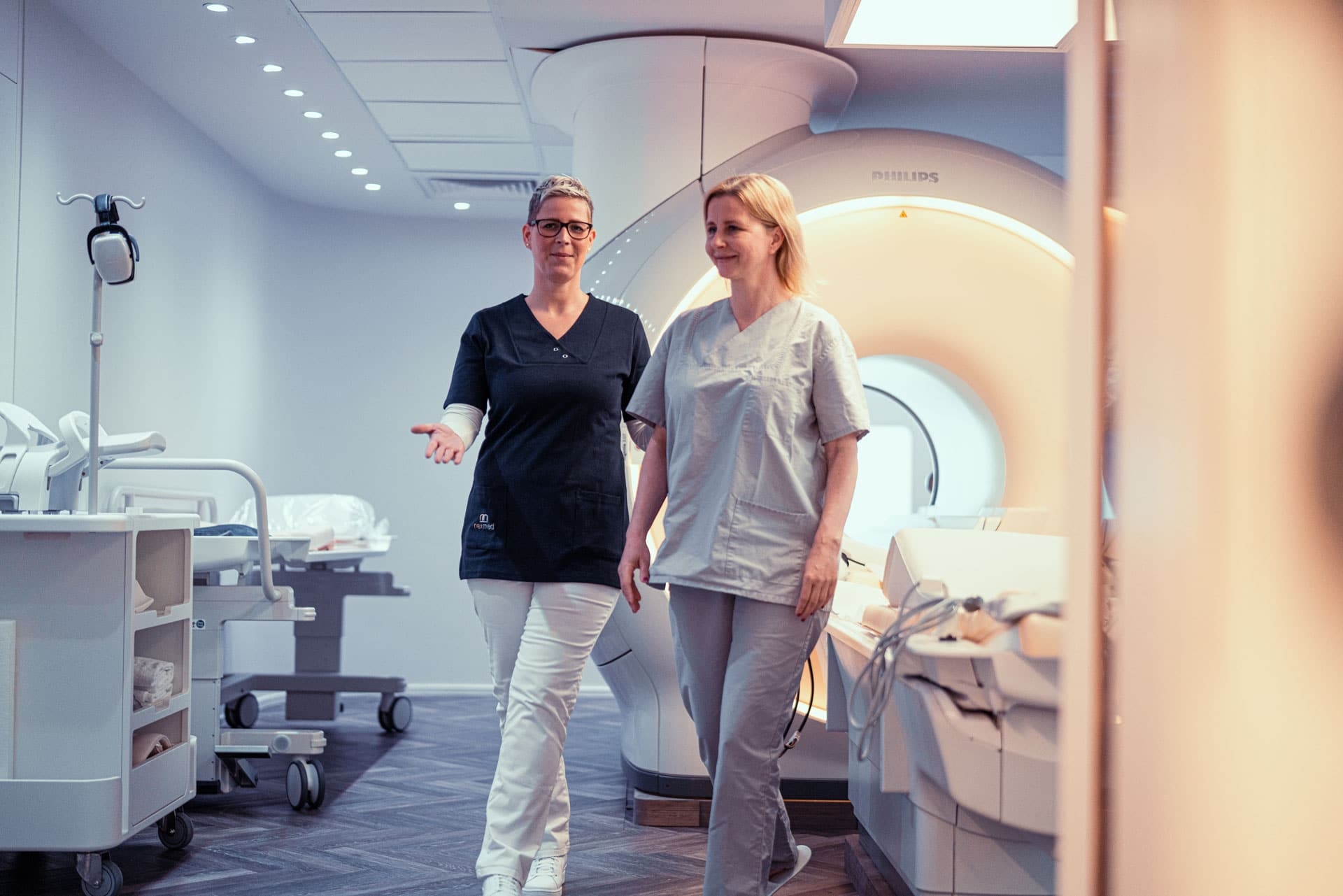 Patientin mit MTRA im MRT in der Radiologie in Dortmund